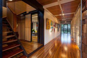 Nhà gỗ lát gạch gì thì phù hợp? 4 Gợi ý gạch lát hoàn hảo